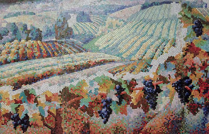 Peinture de mosa?que d'un champ avec des vignes image libre de droits