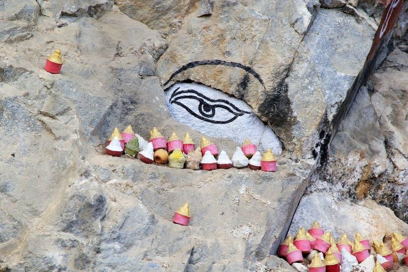 Peinture de roche, Bhutan images stock