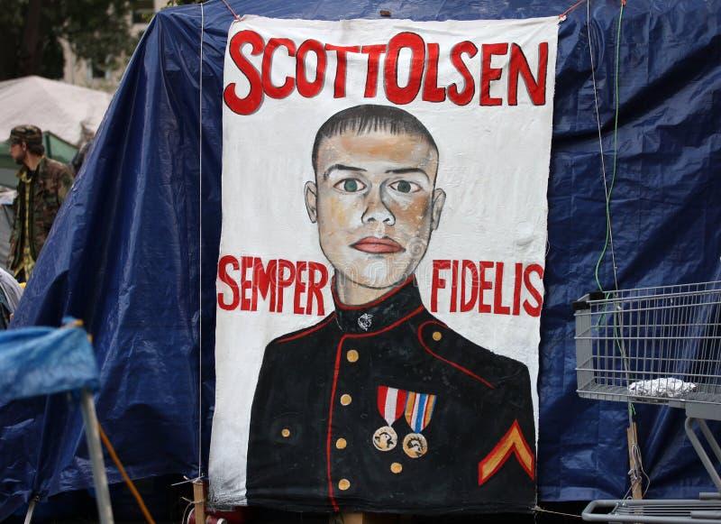 Peinture de Scott Olsen au grand dos de McPherson images libres de droits