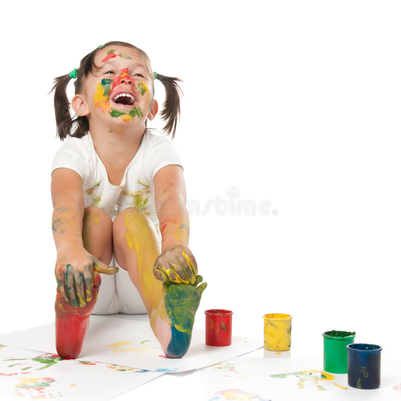 Peinture heureuse d'enfant image stock