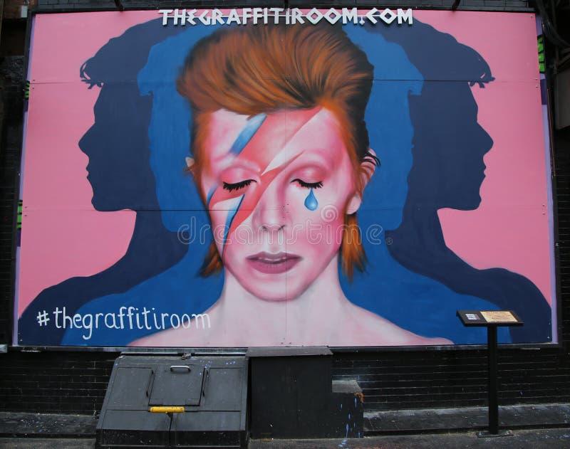 Peinture murale à la mémoire de David Bowie en peu d'Italie à Manhattan photo libre de droits