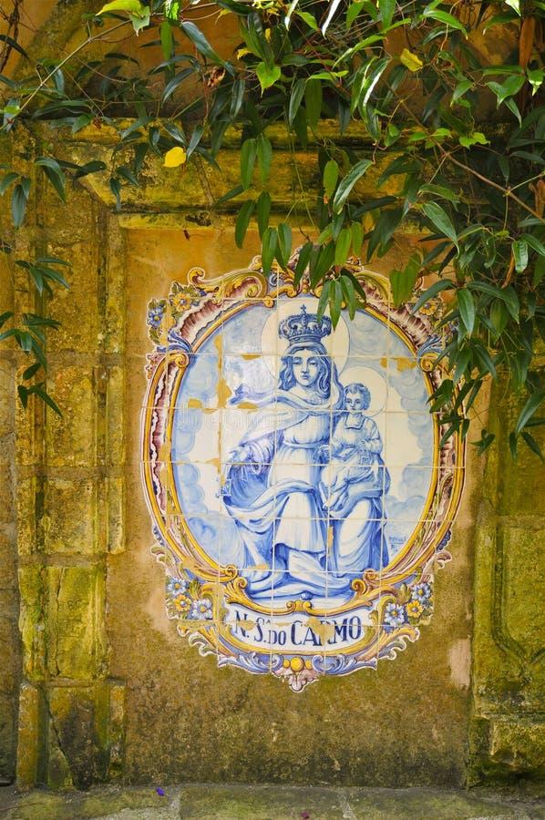 Peinture murale de tuile de Madonna et d'enfant, Carmel Mission photographie stock libre de droits