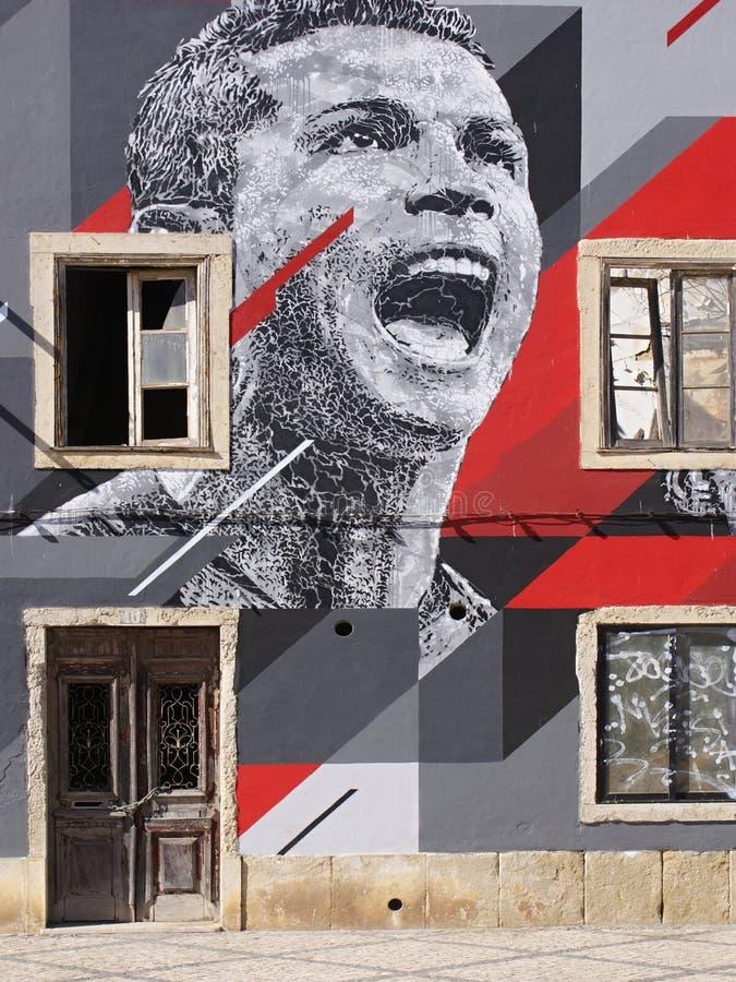 Peinture murale - Le célèbre footballeur portugais Christiano Ronaldo photographie stock