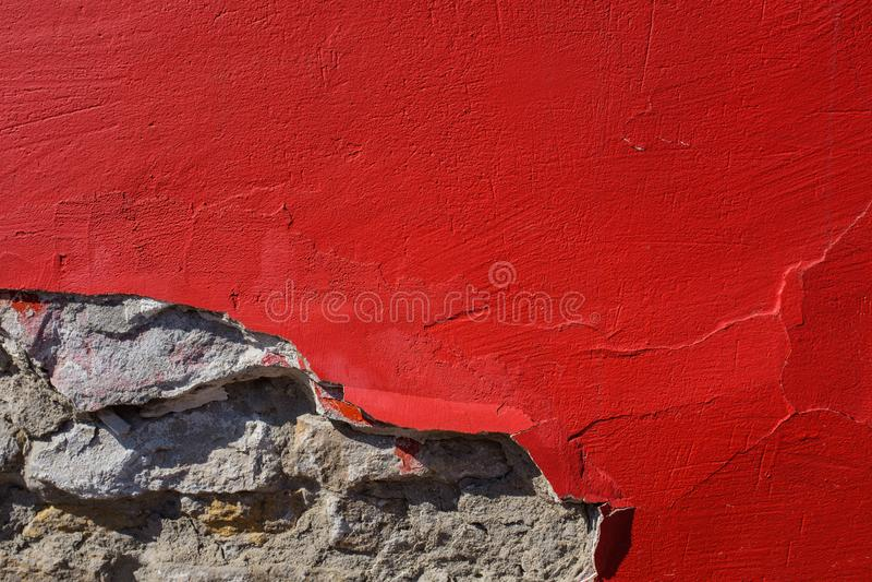 Peinture rouge sur le mur en béton photographie stock libre de droits