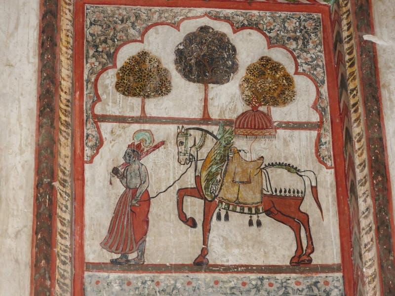 Peintures antiques exquises sur les murs en Jahangir Mahal dans l'orcha, Inde, Madhya Pradesh photographie stock