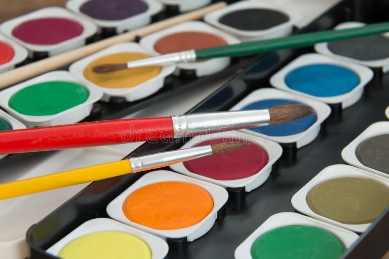 Download Peintures D'aquarelle Réglées Avec Des Brosses Image stock - Image du passe, vert: 76079333