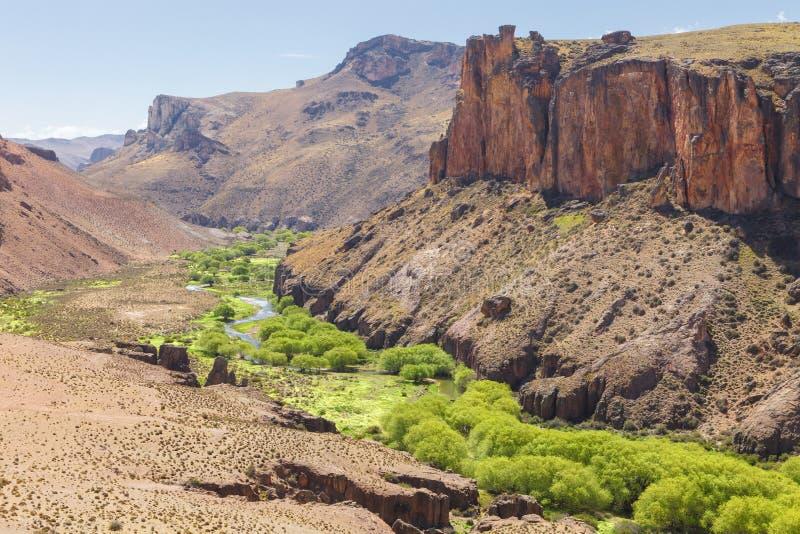 Peintures de canyon de rivière, Argentine photos libres de droits