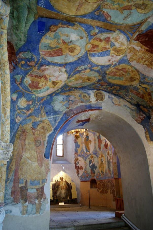 Peintures de mur dans la cathédrale orthodoxe de la transfiguration dans Suzdal images stock