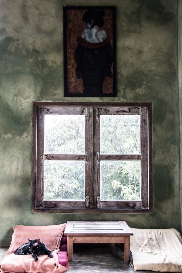Peintures de mur dans un coin se reposant dans un restaurant dans Kanchanaburi images libres de droits