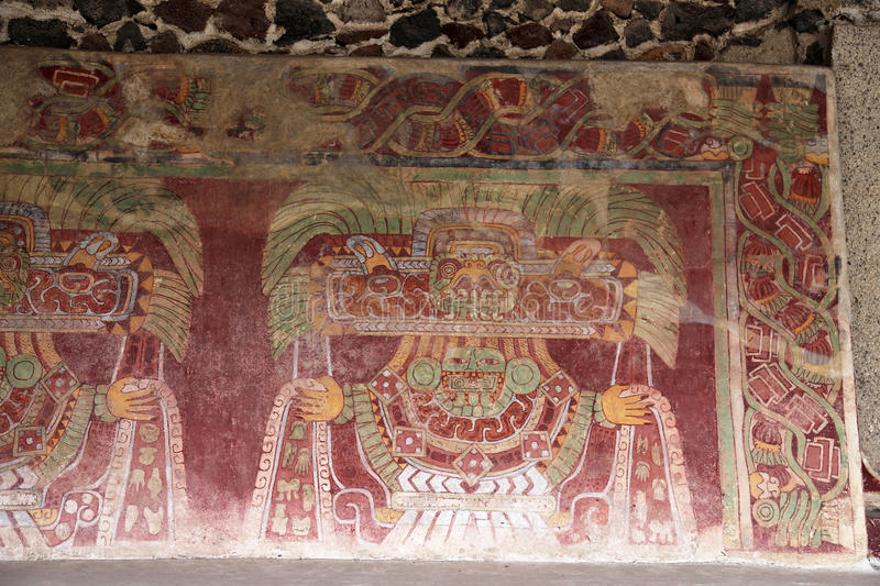 Peintures de mur sur les pyramides de Teotihuacan, Mexique image libre de droits