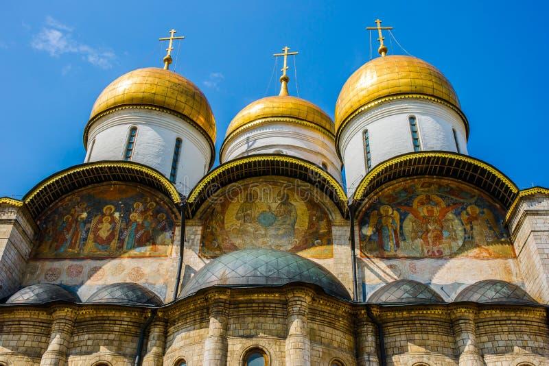 Peintures murales de la cathédrale du Dormition de Kremlin images libres de droits