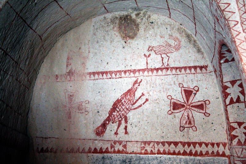 Peintures sur une église rupestre en parc national de goreme images stock