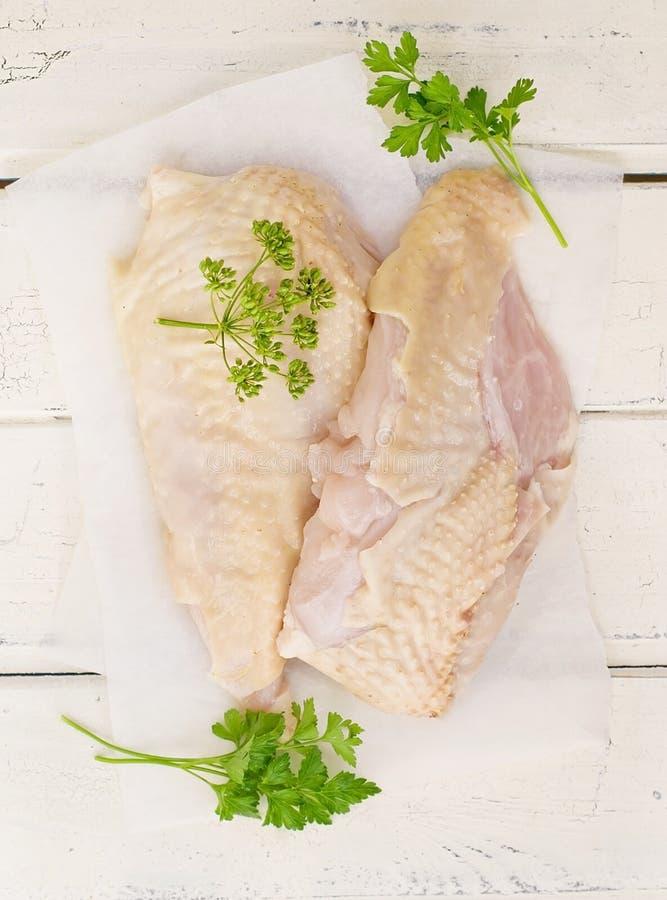 Peito de frango fresco, bruto do fazendeiro fotos de stock