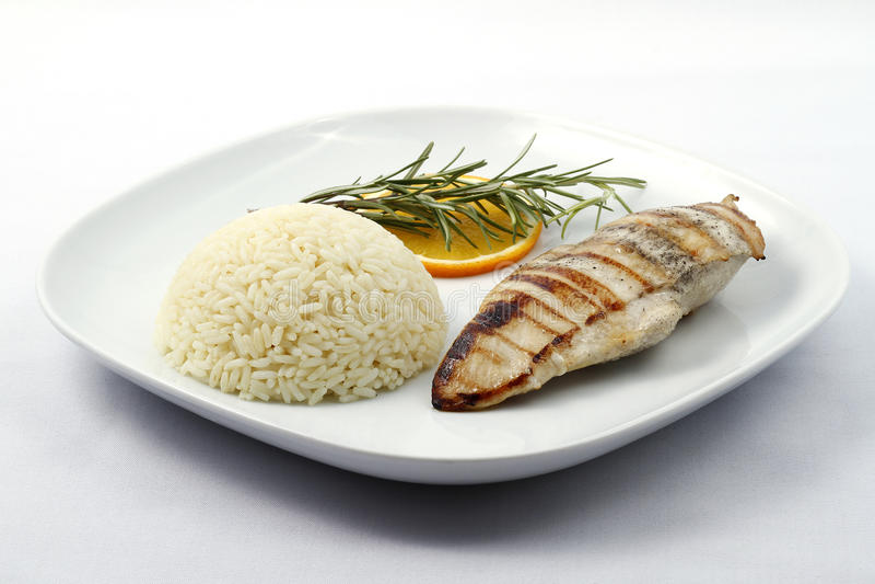 Peito de galinha grelhado com arroz fervido imagem de stock royalty free