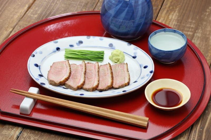 Peito de pato passado ligeiramente cozinhado, culinária japonesa fotografia de stock royalty free