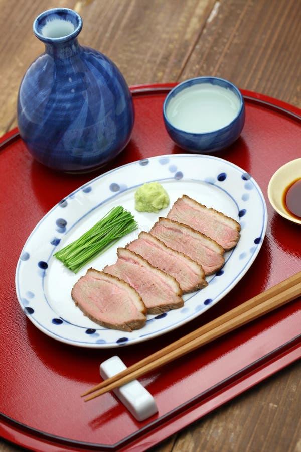 Peito de pato passado ligeiramente cozinhado, culinária japonesa fotos de stock royalty free