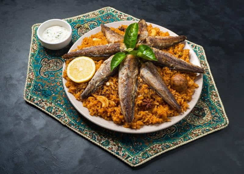 Peixes Biryani Peixes sauditas Kabsa Vista superior fotos de stock