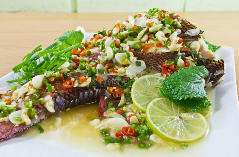 Peixes cozinhados picantes imagens de stock