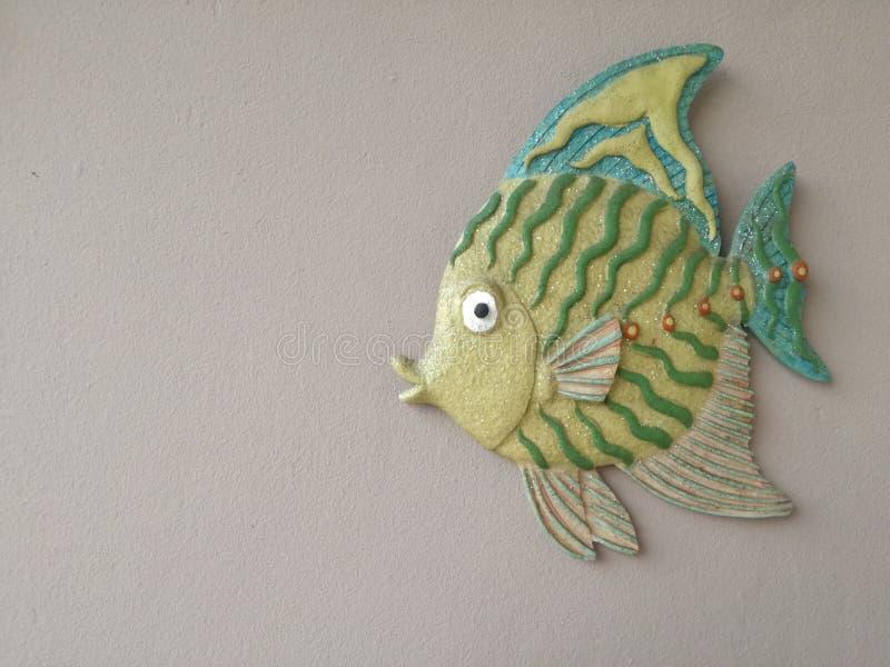 Peixes do verde da decoração da parede imagens de stock royalty free