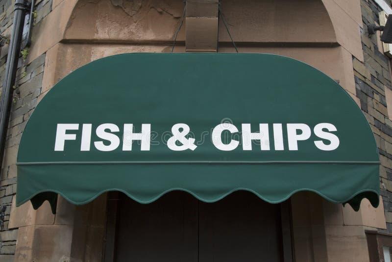 Peixes e Chips Restaurant Sign imagem de stock royalty free