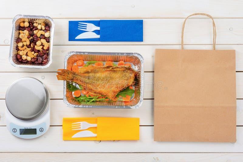 Peixes, forquilhas e facas fotografia de stock