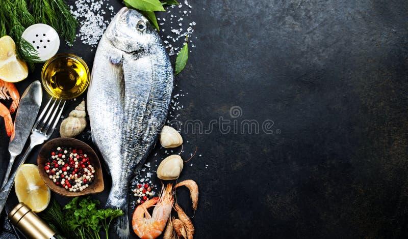 Peixes frescos deliciosos fotos de stock royalty free