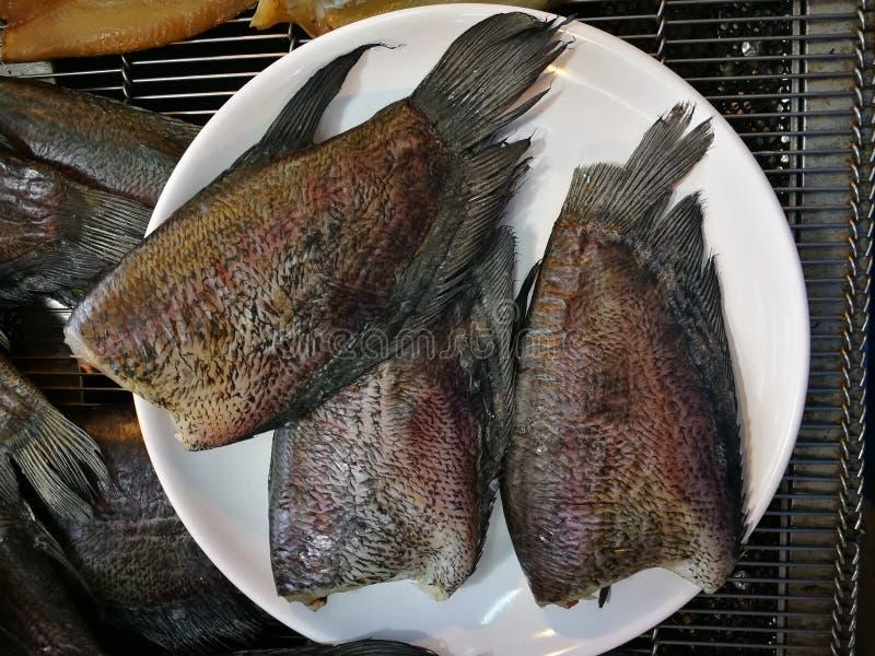 Peixes listrados do snakehead de peixes secos Smoked imagem de stock royalty free