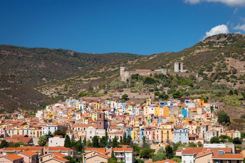 Pejzaż miejski Bosa, Włochy zdjęcia stock