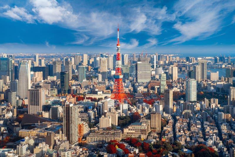 Pejzaż miejski dla Tokio wierza w Tokio mieście zdjęcia royalty free