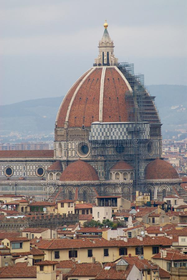 Pejzaż miejski Florencja na chmurnym dniu z kopułą bazylik di Santa Maria Del Fiore Florencja, Włochy obraz stock
