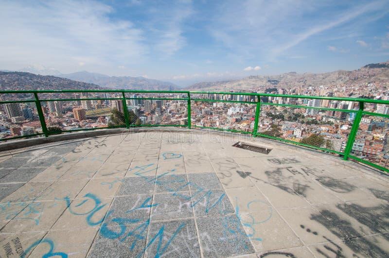 Pejzaż miejski los angeles Paz, Boliwia z Illimani Halnym wydźwignięciem w th zdjęcia royalty free