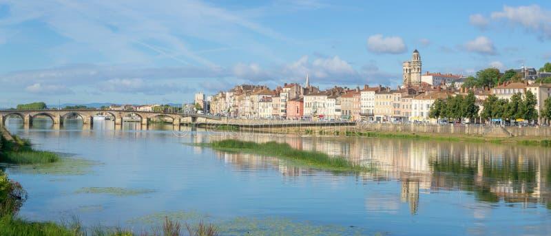 Pejzaż miejski Macon, Francja obrazy royalty free