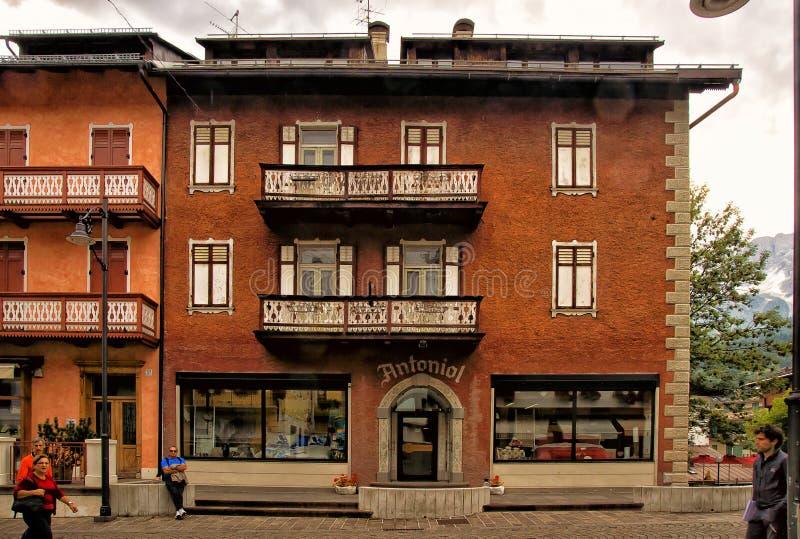 Pejzażu miejskiego Cortina dAmpezzo, Włochy zdjęcia royalty free