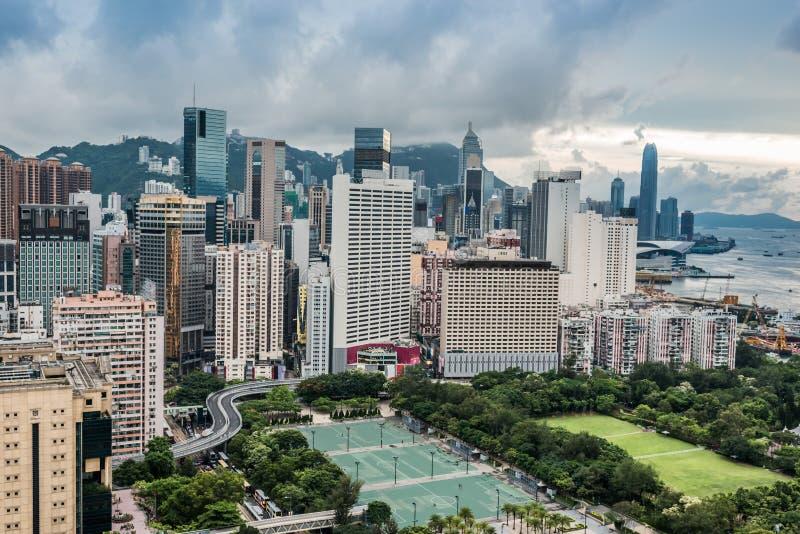 Pejzażu miejskiego Wiktoria parka droga na grobli zatoka Hong Kong obrazy royalty free