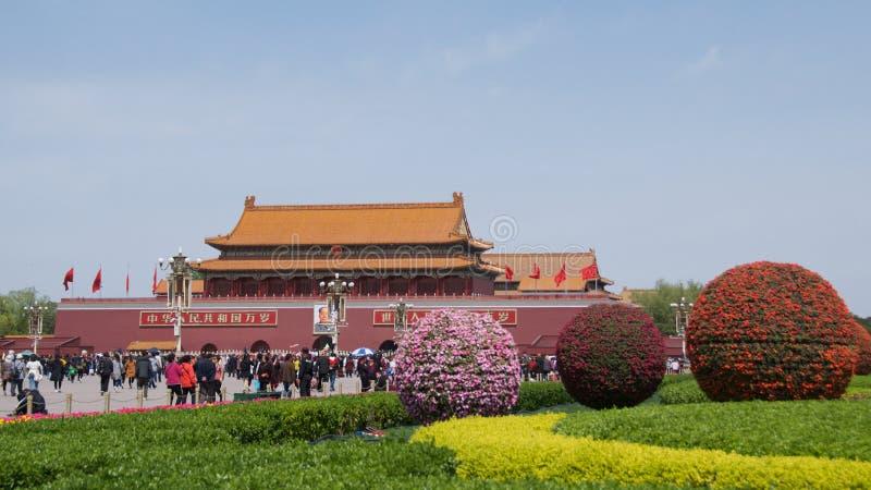 Pekin Chiny, Kwiecień, - 2019: Turyści odwiedza plac tiananmen w Pekin, Chiny obraz royalty free