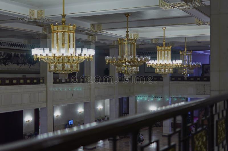 Peking, China - Juni 2019: Plafond van de belangrijkste ingang in de Grote Zaal van de Mensen royalty-vrije stock fotografie