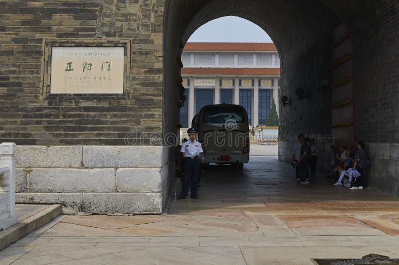Peking, China - Juni 2019: Zhengyangmen-Toreingang zum Tiananmen-Platz stockfotografie