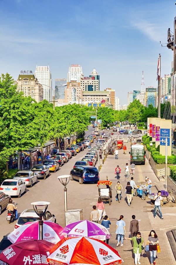 PEKING, CHINA - MEI 20, 2015: De mensen, de burgers van Beiji stock afbeelding