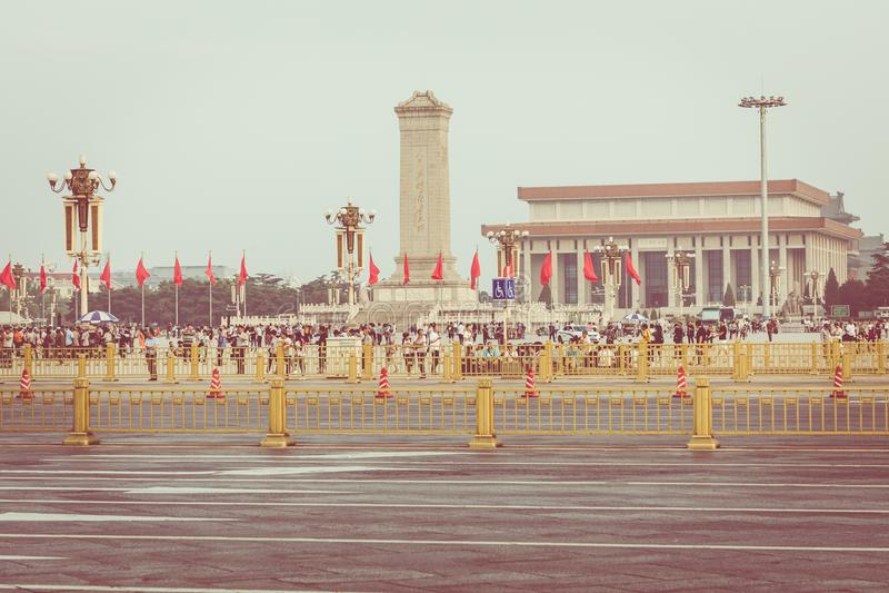 PEKING KINA - 20 MAJ 2018: Tianamen fyrkant och ingång till th royaltyfria bilder