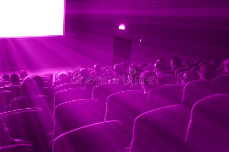 Película del reloj 3D de los espectadores, tono magenta fotografía de archivo
