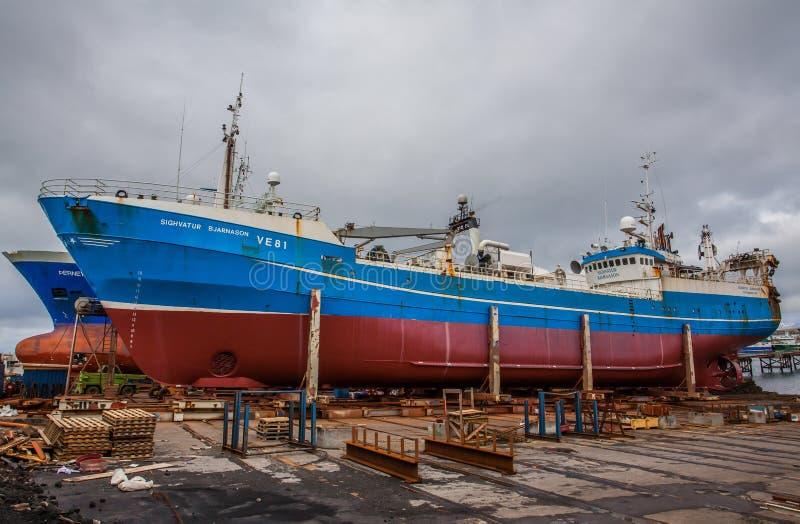 Pelagisches Fischereifahrzeug im Dock in Reykjavik. stockfotografie