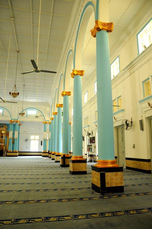 Pelare inom Sultan Ibrahim Jamek Mosque på Muar, Johor arkivfoto