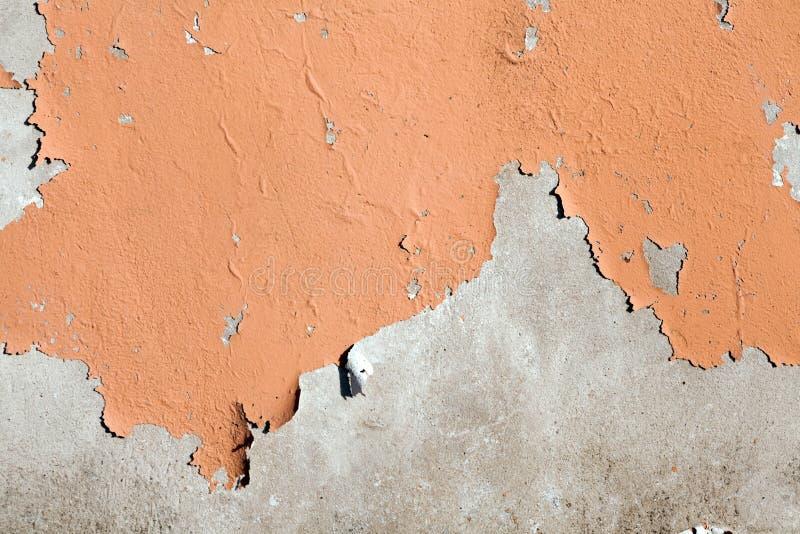 Pelatura della parete dipinta del cemento fotografie stock libere da diritti