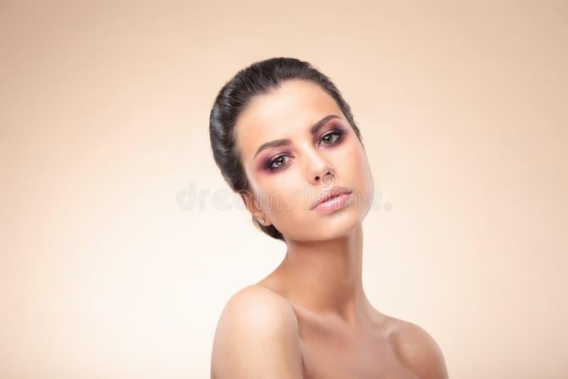 Pele da beleza da mulher fotos de stock royalty free
