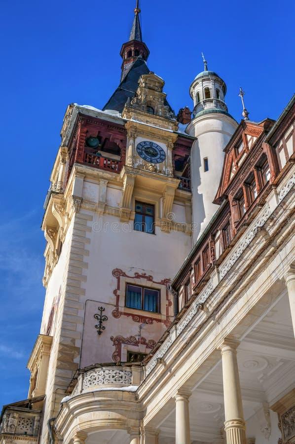 Peles slott, uppehåll av konungen Mihai I av det Rumänien tornet arkivfoto