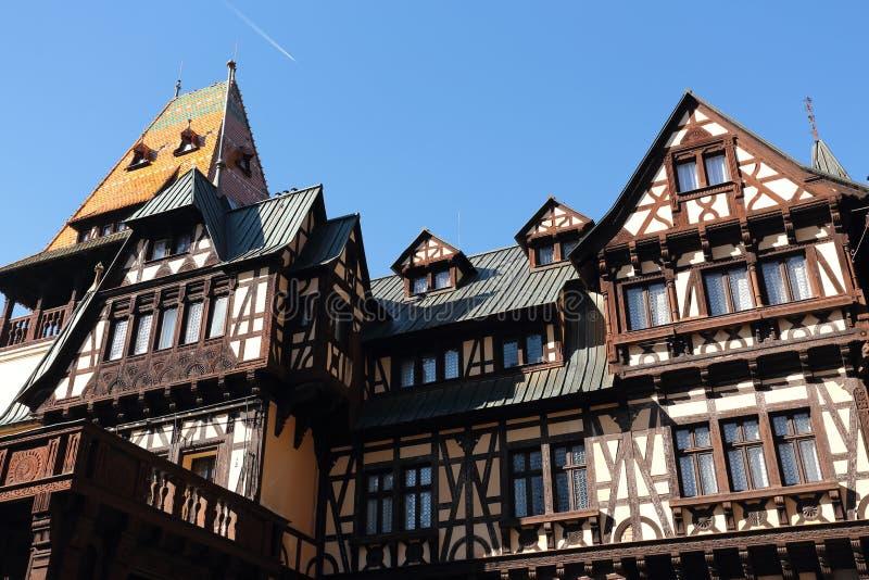 Pelesor slott, Sinaia stad, Rumänien royaltyfri fotografi