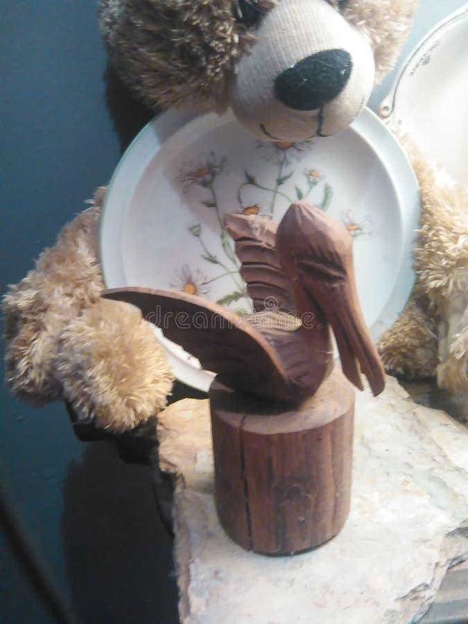 Pelicano, peluche, e dasiy imagens de stock royalty free