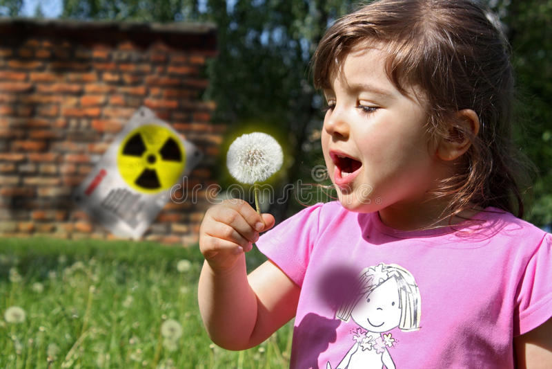 Peligro de la radiación fotografía de archivo libre de regalías