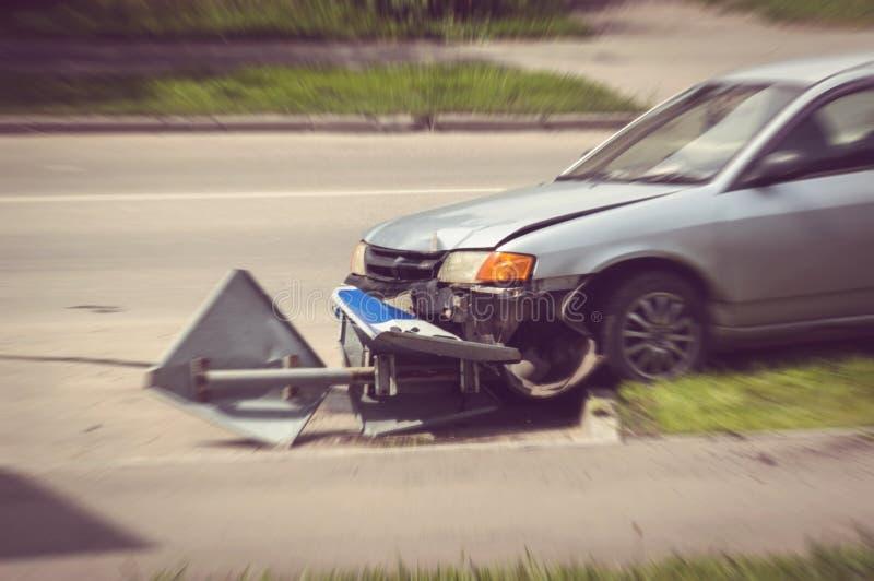 Peligro en el camino causado por los conductores borrachos imagen de archivo libre de regalías