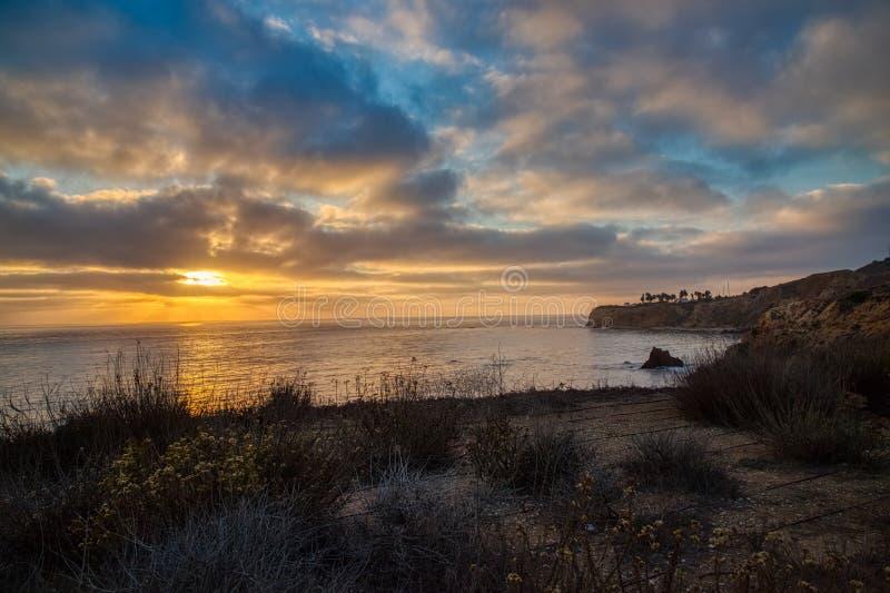 Pelikanliten vik och att peka Vicente på solnedgången fotografering för bildbyråer